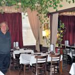 Country Vineyard Cafe in Maggie Valley, NC with entertainment by Art Patten
