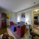 Photo de Commonwealth Park Suites Hotel