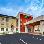 Photo of Holiday Inn Express & Suites