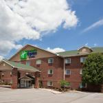 Photo de Holiday Inn Express Hotel & Suites Center Township