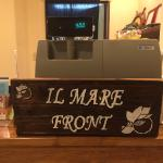 Cashier with Il Mare