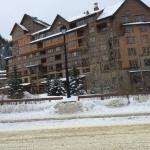 Photo de Zephyr Mountain Lodge