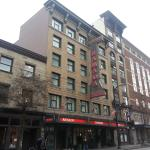 Photo de Ramada Limited Vancouver Downtown