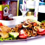 Robalo com Frutos do Mar,Filé de Robalo grelhado com frutos do mar e temperos especiais