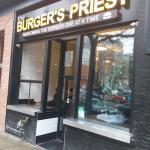 Burger's Priest의 사진