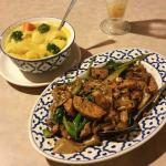 Yellow Curry and Pad-See-Ew