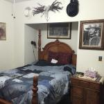 Photo de Spurs and Lace Bed and Breakfast Inn