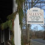 Alley's General Store Foto