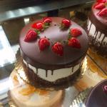 Super atomic cake