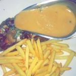 Entrecote grillée sauce poivre et cêpes