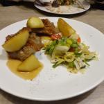 Мясо с яблоками