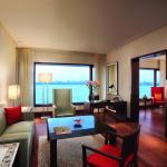 Oberoi Executive Suite Ocean View Living Room