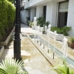 pool parking views