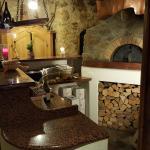 Holzbackofen (für frische Brote)