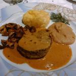 Boeuf sauce au poivre doux et sa garniture St Sylvestre