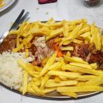 Dose média Cabrito 33€ veio com batata frita mas estava divinal