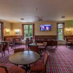 Pinehurst Lounge