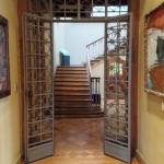 Entrada a escalera principal
