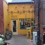 Oasis Bar & Grill의 사진