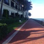 прогулки вдоль океана