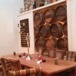 Wein Bar hinterer Bereich