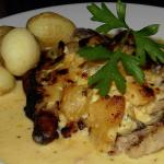 Pork loin slice with Calvados, Cream and Apple