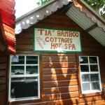Photo de Tia Bamboo Cottages
