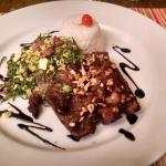 Costelinha suína, com arroz e farofa de couve (muito boa)