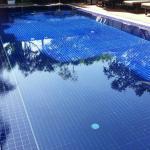 สระว่ายน้ำด้านนอกของโรงแรม