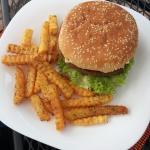 Veggie Burger + Papas