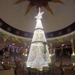 Decorado navideño en el lobby