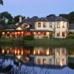 Magnificent Woodman Estate Lakeside Destination