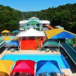 Vista da piscina adulto