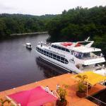 Frente do hotel com vista para o Rio Negro