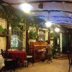 Пианино на веранде