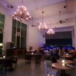 Alto Skye Lounge Photo
