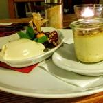 Crème Brûlée mit Zwetschgenröster und Lavendelrahmeis