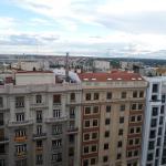 La vista a la Gran Vía y Palacio Real, desde la misma habitación