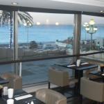 Вид из окна ресторана на завтрак