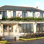 Pub below, rooms above - 'Nab' on the left.