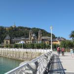 Boardwalk that wraps around bay
