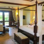 Crystal Lagoon Honeymoon Penthouse room