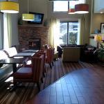 Front Lobby/Breakfast area