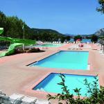 4 piscines chauffées et 1 toboggan aquatique