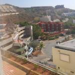 Vista desde la Habitacion vista entrada hotel