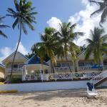 Blick auf die Hotelanlage vom Strand aus