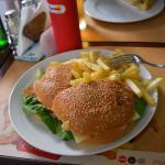 Burger + frytki