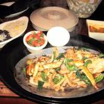Delicious Chicken Fajitas at Jalapeno's - Annapolis (08/Dec/15).