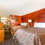 Dixie Stampede Room
