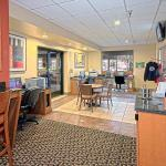 Foto de DoubleTree Suites by Hilton Hotel Seattle Airport - Southcenter
